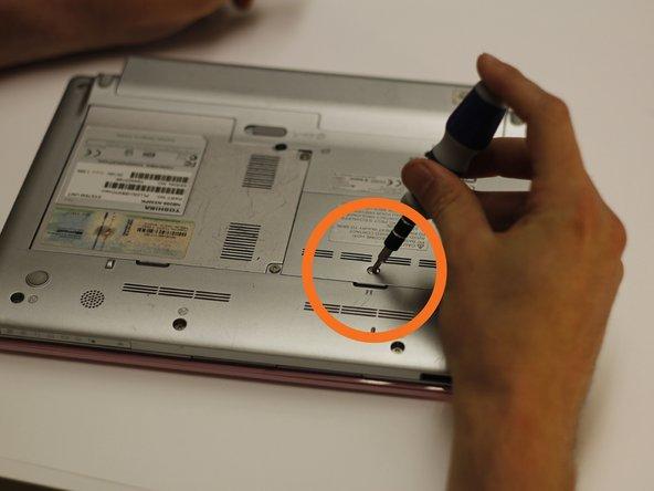 Disassembling Toshiba NB205 N330PK Back Panels