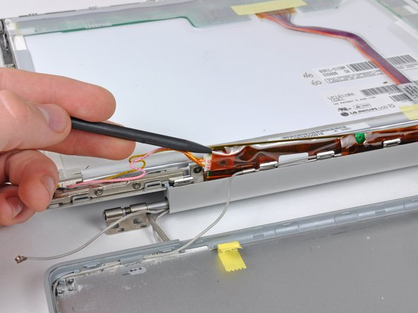The inverter is an extremely thin circuit board that is very delicate and easily cracked. Take care when handling.