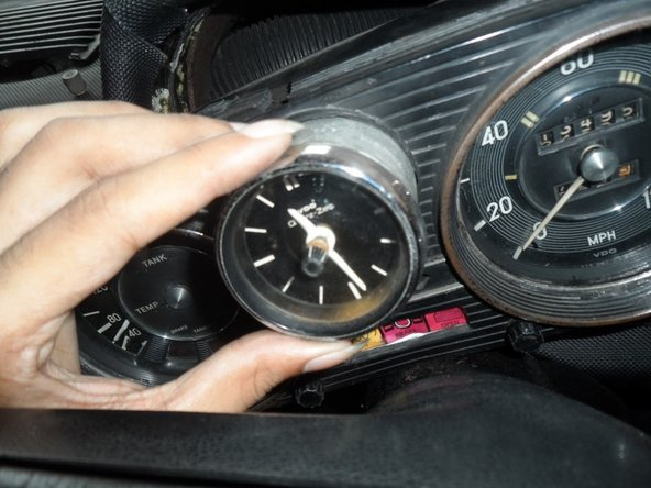 Mercedes W114/W115 Cluster Clock replacement and troubleshooting