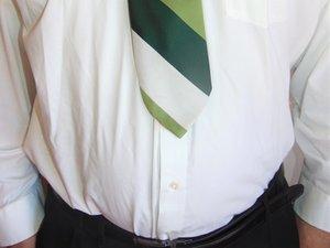 How to Lengthen a Necktie