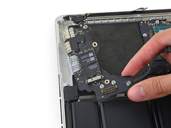 MacBook Pro 13インチ RetinaディスプレイLate 2013 I/O ボードの交換
