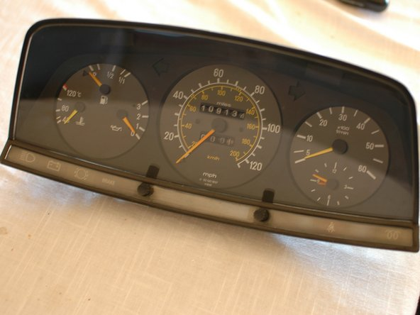 Removing Mercedes W123 Instrument Cluster