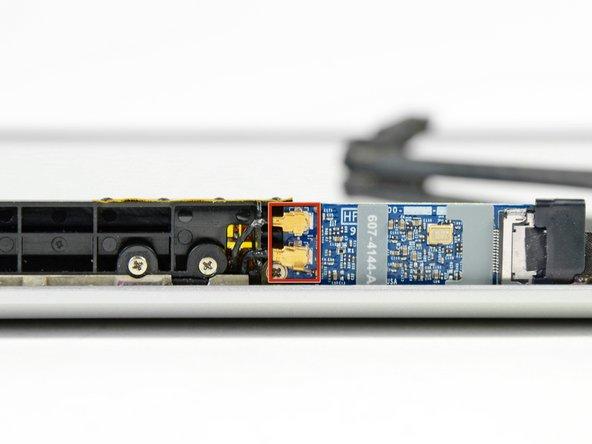 "MacBook Pro 13"" Unibody Mid 2009 AirPort Connectors Replacement"