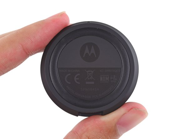 What secrets could the Moto 360's charging dock hold? Let's find out!