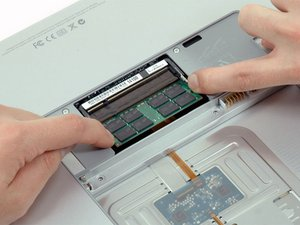 """MacBook Pro 17"""" Modelle A1151 A1212 A1229 und A1261 RAM austauschen"""