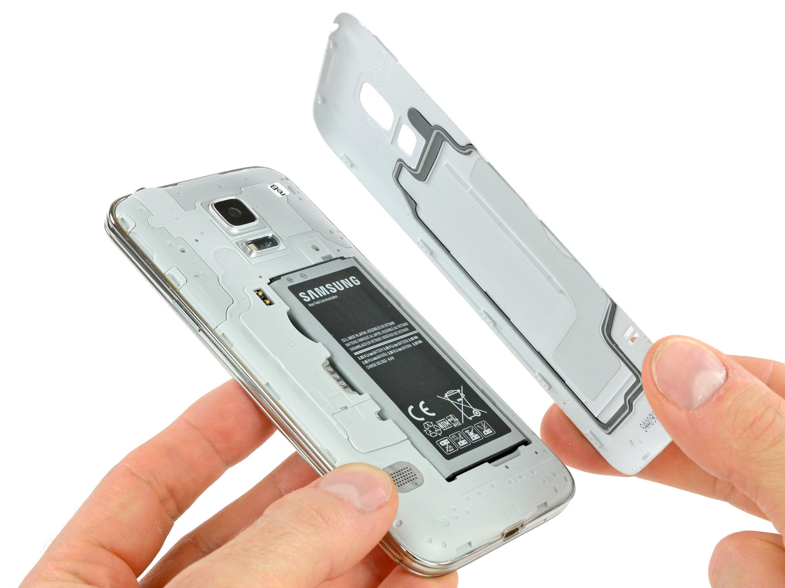 Remplacement de la coque arrière du Samsung Galaxy S5 Mini ...