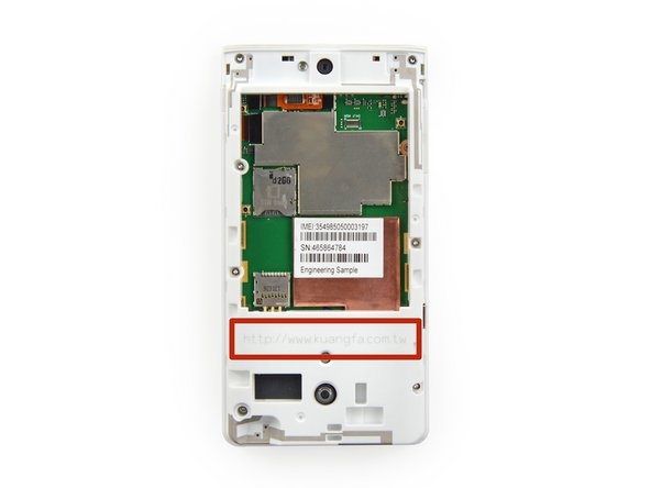 Removing the battery gives us an immediate view of the motherboard.