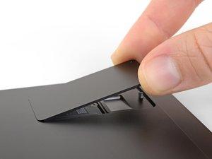 SSD- und SIM-Kartenabdeckung