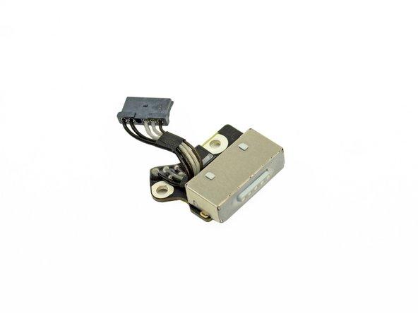 MagSafe 2 port - quantity 1