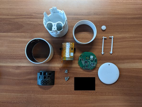 And that is it, the completly disassembled tado Smart Radiator Thermostat v3+.