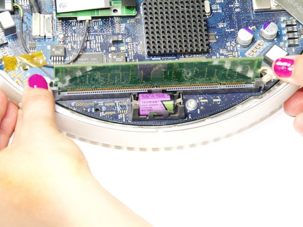 "iMac G4 15"" 700 MHz EMC 1873 Internal RAM Replacement"