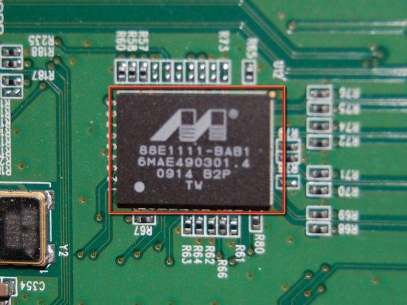 Last chip... Marvell Alaska 88E1111 single-port GbE transceiver.  Markings: 88E1111-BAB1 6MAE490301.4 0914 B2P Taiwan
