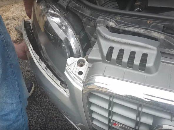 2004-2008 Audi A4 (B7) Headlight  Bulb Replacement