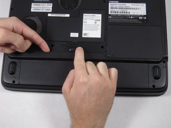Toshiba Satellite A75-S226 Battery Replacement