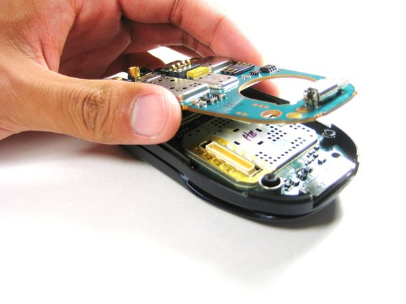 Disassembling Motorola i90c Logic Board