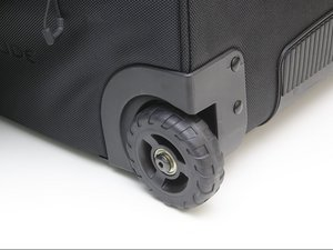 How do I replace the wheels on my Tobago trolley?