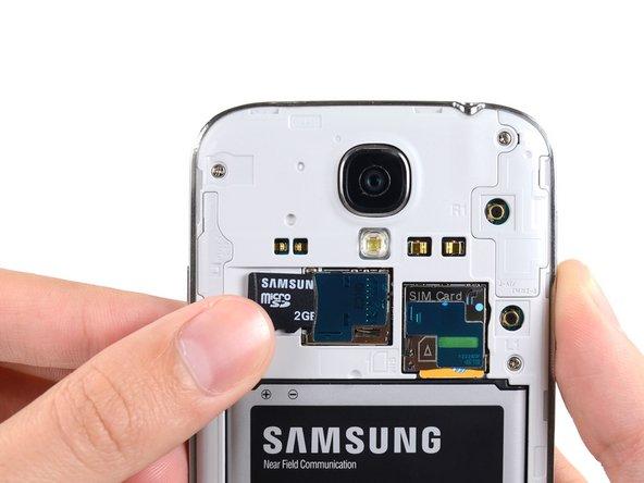 Samsung Galaxy S4のMicroSDカードの交換