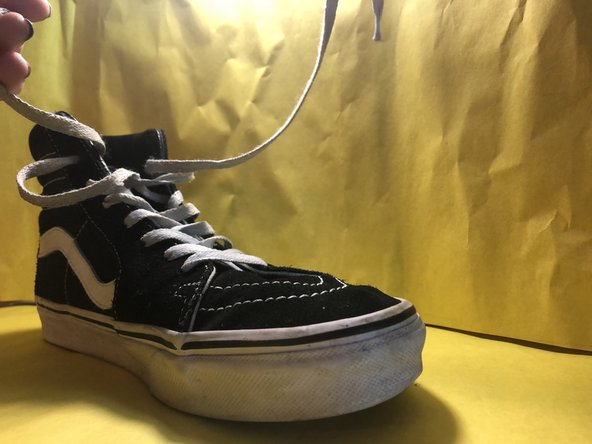 How to Replace High-Top Sneakers' Shoelaces Using the Ukrainian Method