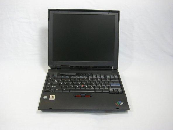 Démontage du boitier supérieur de l'IBM ThinkPad A30