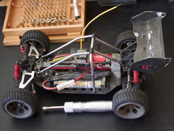 Reely Carbon Fighter Brushless Austausch der Räder