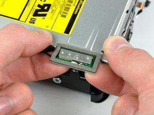 Installation d'un lecteur optique dans le Mac mini modèle A1176