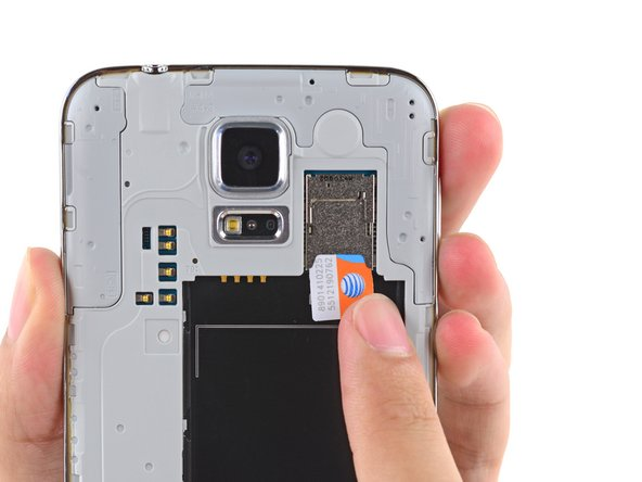 Repeat the above procedure to remove the SIM card.