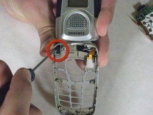 Démontage du grand haut-parleur du Samsung SPH-A760