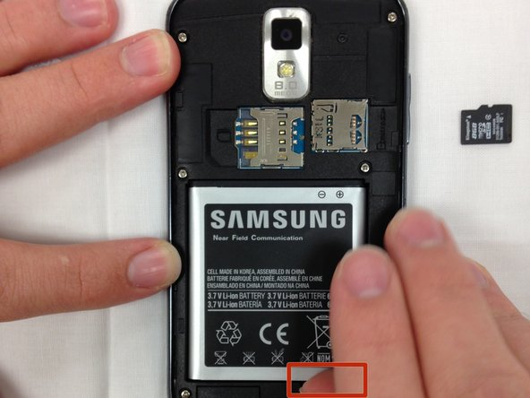 Turn off the phone before removing battery.