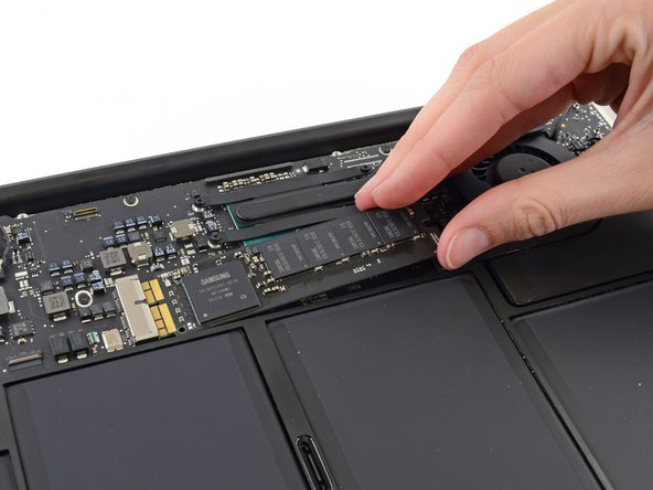 "Reemplazar la Unidad de Estado Solido en un MacBook Air 13"" Mid 2013"