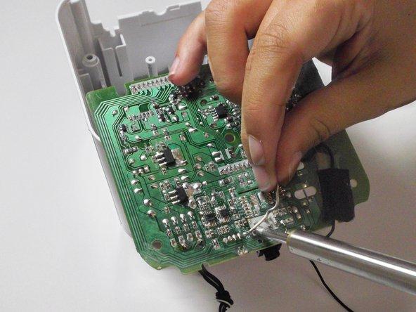 Audiovox CR8030iE5 AUX Port Replacement