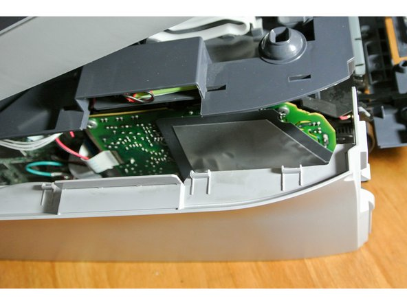 After you fully removed the cover, you'll have a view on the motherboard, the cable and the plugs.