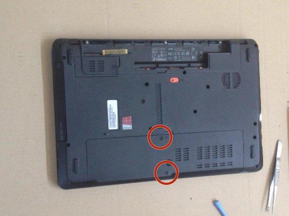 Unscrew 2x screws M 2.5x8.0