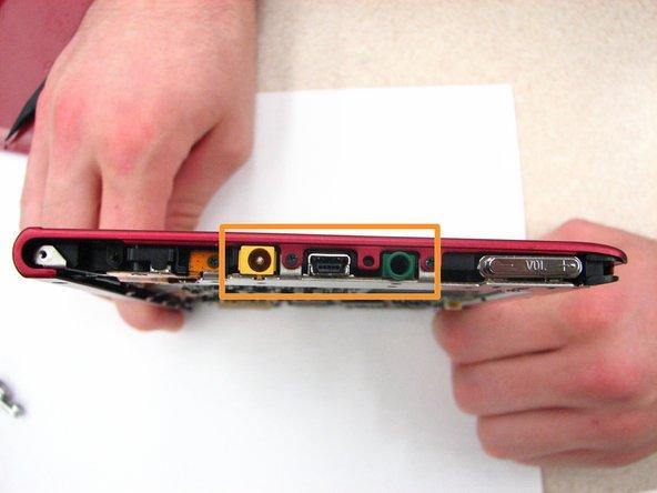 Remplacement de l'adaptateur audio / micro USB / secteur