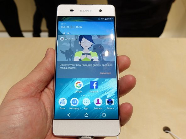 How to to replace cracked glass in Sony Xperia XA