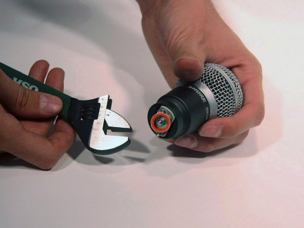 Never open the microphone capsule. Attempting to open the capsule will likely result in permanent damage and make the microphone unusable.