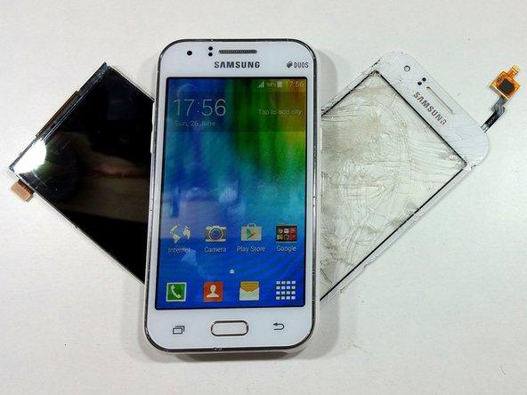 Remplacement de l'écran tactile et de l'écran LCD du Samsung J1/J100