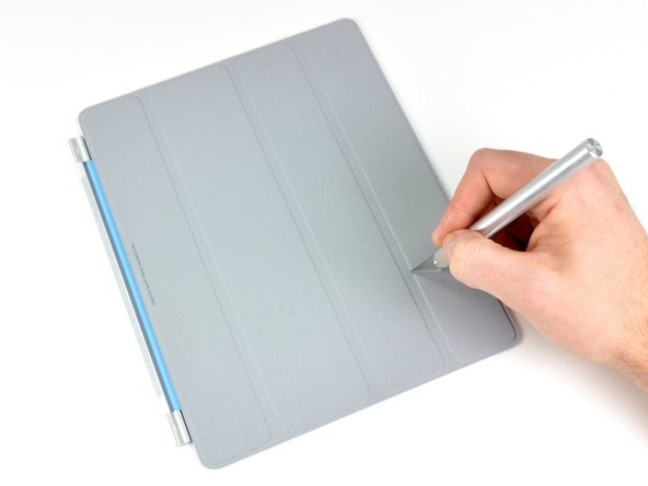 So that concludes the iPad's side of things. But what about the Smart Cover? Only one way to find out -- have it go under the scalpel.
