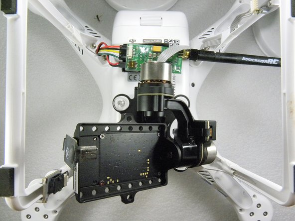 Bottom view : Zenmuse H3-3D Gimbal and FPV transmitter