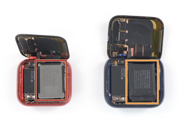 From this point, the battery removal procedure for the 40mm watch differs slightly from the 44mm version.