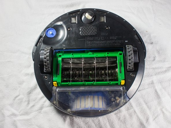 Disassembling iRobot Roomba 551 Bottom Plate