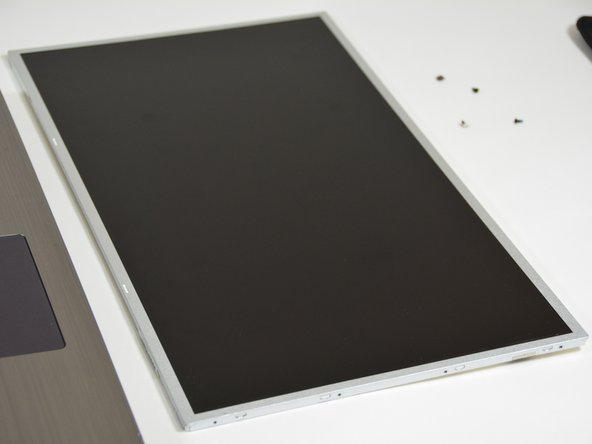 why! W670SZQ1 Remplacement de l'écran LCD