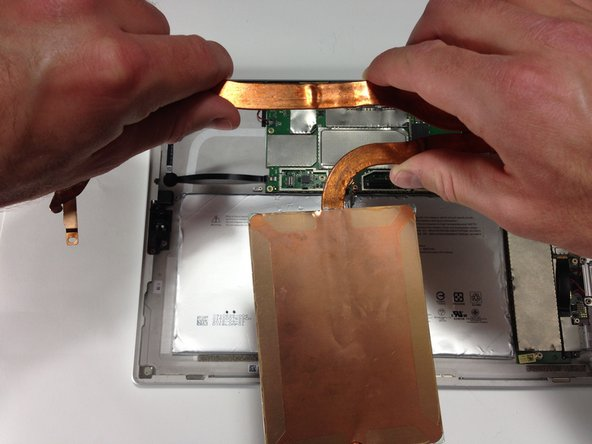 You can now remove entire heat sink by lifting it out with your hands.
