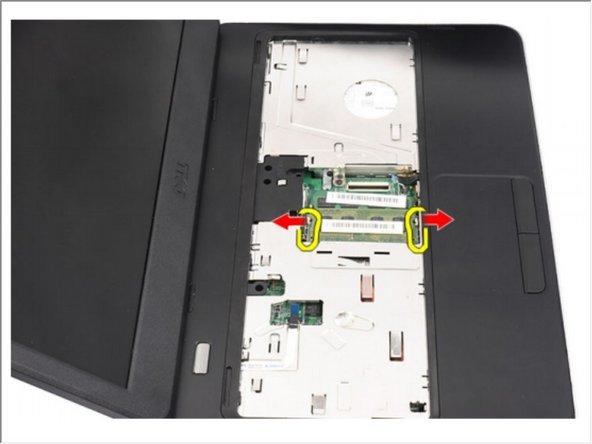 Dell Vostro 1440 Memory Module Replacement