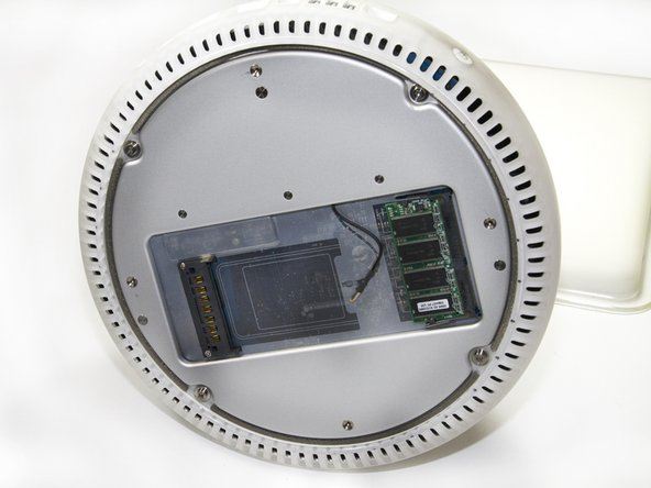 "iMac G4 15"" 700 MHz EMC 1873 RAM DIMM Replacement"