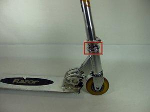 How to adjust Razor A steering column