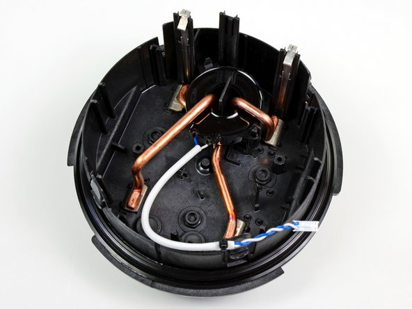 After disconnecting a single cable, we get a good look at the smart meter's power connections.