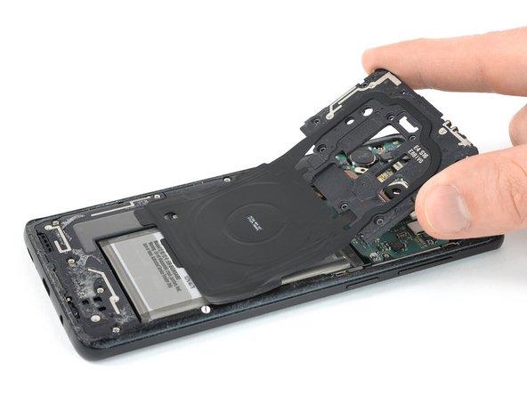 Remplacement de l'antenne NFC et de la bobine de recharge du Samsung Galaxy S9 Plus