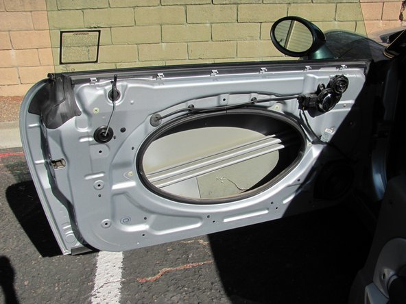 2001-2006 Mini Cooper Door Handle and Small Speaker Disassembly