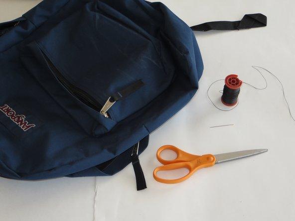 Ausgerissene Schultergurte von Rucksäcken reparieren