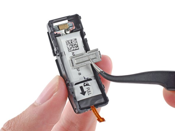 A small metal strut separates the motherboard from the battery, and protects the unit from over-enthusiastic squeezing, to ensure your Fit is fit for active duty.